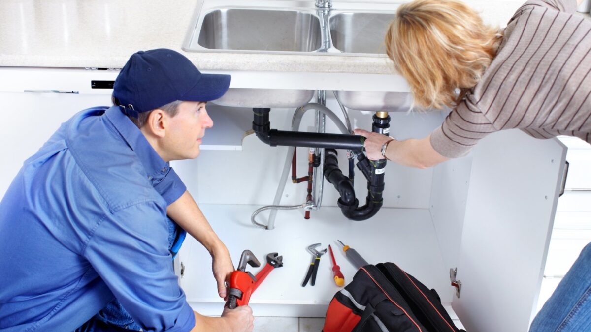 How to Deal With Emergency Plumbing problems