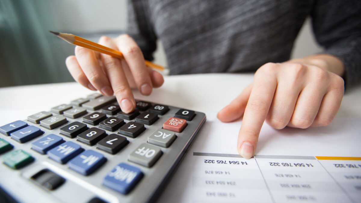 5 Things to Consider While Choosing an Accounting Firm for Your Business