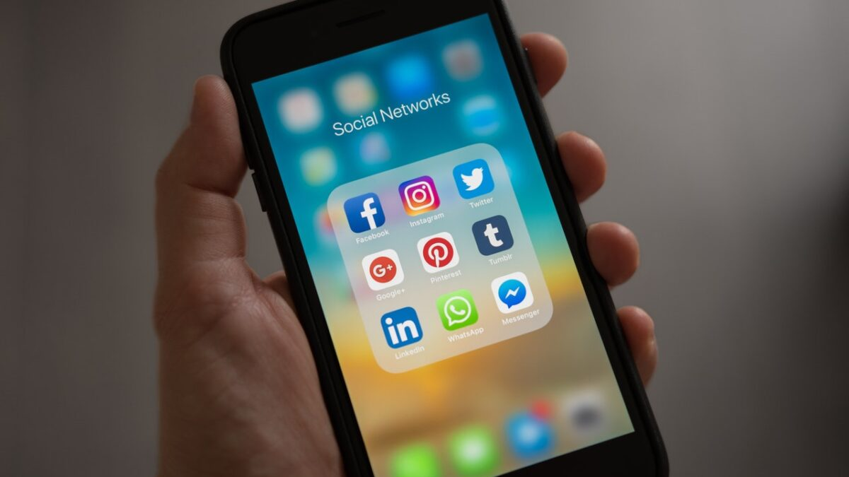 How To Leverage Social Media For Business Marketing?