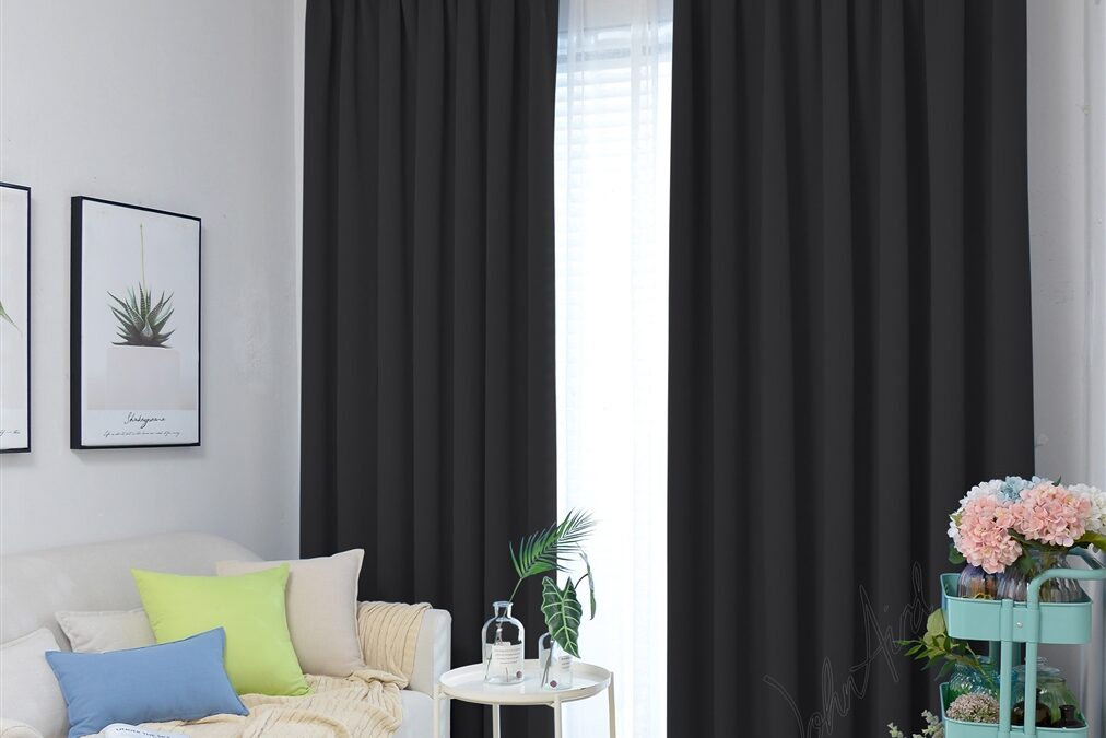 How to Buy Blackout Curtains in Dubai?