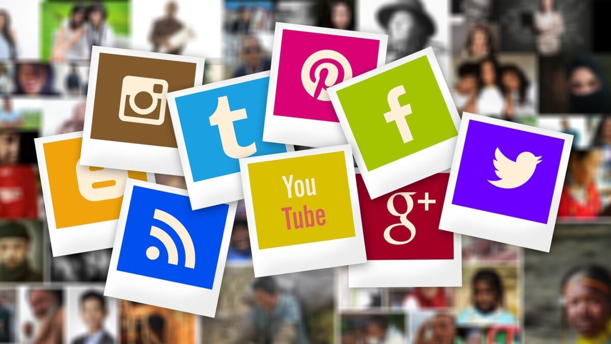 Social Media Aggregator Tools For Website And Events