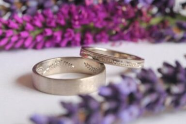 How to Pick the Wedding Band That Matches Personality