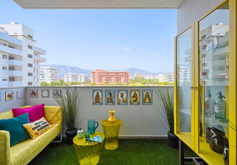 Why To Choose Artificial Grass For balcony